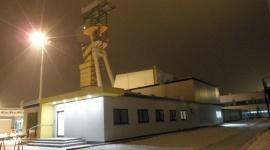 Modułowe biura dla sztygarów Przemysł, BIZNES - Biura dla kadry inżynierskiej oraz szatnie dla 300 górników powstały w Polkowickich Zakładach Górniczych Rudna. Infrastruktura została wybudowana w technologii modułowej, a jej powstanie zajęło zaledwie nieco ponad 4 miesiące. Za realizację inwestycji odpowiadała firma Touax.
