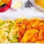 65% klientów niezadowolonych z jedzenia serwowanego w samolotach