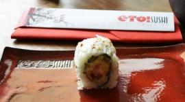 Czy Polacy chętnie sięgają po sushi? BIZNES, Gospodarka - W Polsce restauracje sushi długo czekały na aprobatę konsumentów. Egzotyczna kuchnia musiała bowiem walczyć o popularność z tradycyjnymi upodobaniami Polaków.