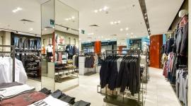 OTOMI store design lab projektuje dla Celio BIZNES, Infrastruktura - Celio, francuska marka oferująca odzież męską, otworzyła w ubiegłym roku w Warszawie cztery sklepy. Proces projektowy powierzono pracowni OTOMI store design lab.
