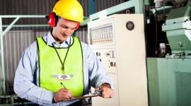 CE(L): zgodność maszyn i urządzeń Przemysł, BIZNES - Niemal w każdej pracy towarzyszą nam maszyny lub inne urządzenia, a międzynarodowy transfer technologii jest łatwiejszy niż kiedykolwiek wcześniej. Zgodność z wymaganiami zasadniczymi w zakresie bhp dotyczy nie tylko odpowiednich warunków pracy, ale i kar.