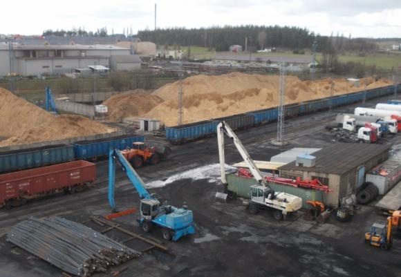 Barter SA: tranzyt przez przejście kolejowe w Kuźnicy czeka dynamiczny rozwój BIZNES, Infrastruktura - Od początku roku kilkukrotnie wzrosła liczba kolejowych przewozów drobnicowych świadczonych przez Barter SA przez przejście Bruzgi - Kuźnica. Rośnie też liczba przeładunków w sokólskim terminalu spółki.