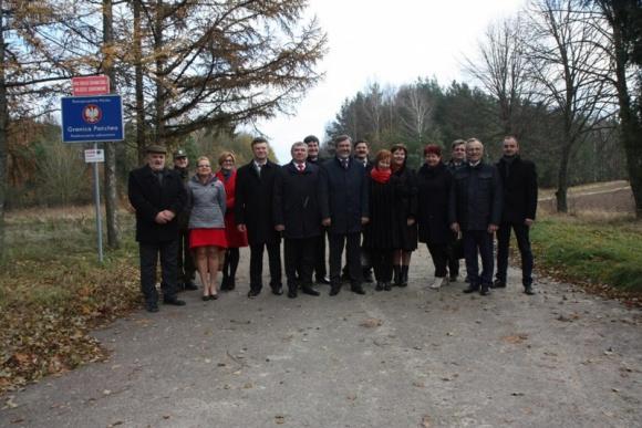 Rosną szanse na reaktywację przejścia granicznego z Białorusią w Lipszczanach BIZNES, Gospodarka - Ponowne uruchomienie po niemal dwóch dekadach przerwy przejścia granicznego z Białorusią w Lipszczanach koło Lipska.