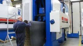 Costa KK10 - szlifierka do bardzo szerokich paneli Przemysł, BIZNES - Tylko do końca stycznia w fabryce Costa w Sandrigo koło Wenecji można na żywo obejrzeć prototyp szlifierki Costa KK10, specjalizującej się w produkcji podłóg warstwowych.