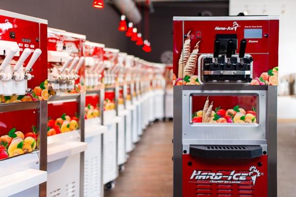 Hard – Ice z najbogatszą dotąd ofertą maszyn do lodów BIZNES, Gospodarka - Branża producentów maszyn do lodów w zasadzie nie różni się od innych gałęzi gospodarki.