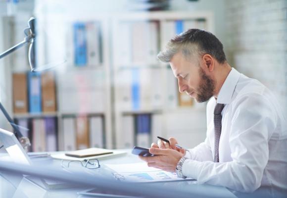 Przedsiębiorcy łatwiej odzyskają długi - pakiet wierzycielski w Senacie BIZNES, Gospodarka - 71% przedsiębiorców z sektora MSP skarży się na problemy z nieterminowymi płatnościami ze strony klientów. Lekarstwem na te bolączki ma być pakiet wierzycielski.