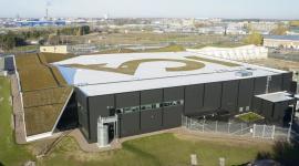 Membrany dachowe PROTAN z logo firmy Przemysł, BIZNES - W rozwiązaniach dachowych oczekiwana jest wysoka jakość i funkcjonalność. Stosowane innowacyjne i bezpieczne systemy dachowe PROTAN, oparte o nowe technologie, odpowiadają na indywidualne potrzeby wykonawców. Bardzo dobrze wspierają efekt finalny inwestycji.