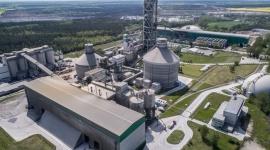 Lafarge zainwestował 160 mln zł w Polsce w 2017 roku Przemysł, BIZNES - Inwestycja w Cementowni Kujawy to jedna z trzech największych inwestycji dla Grupy LafargeHolcim na świecie. Celem jest stworzenie najnowocześniejszego obiektu na świecie, dlatego Lafarge w Polsce zainwestował już 310 mln złotych w Pomorskiej Specjalnej Strefie Ekonomicznej.