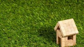 Obalamy 5 największych mitów na temat izolacji BIZNES, Gospodarka - Coraz więcej Polaków podejmuje decyzję o termomodernizacji, by móc cieszyć się większą efektywnością energetyczną swojego domu i niższymi rachunkami.