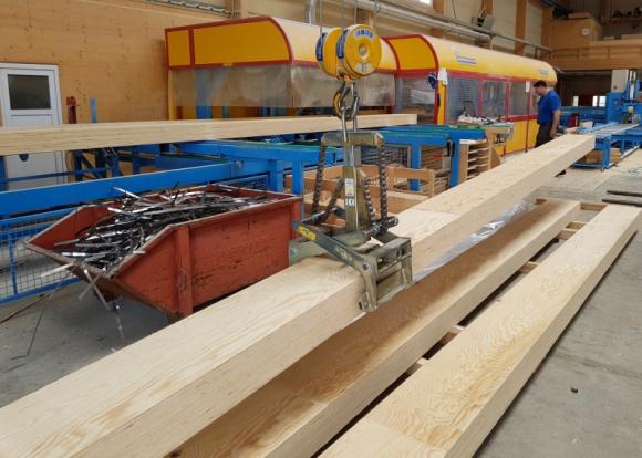 Nowość: STEICO G LVL - duży przekrój i większa wytrzymałość Przemysł, BIZNES - STEICO LVL to jeden z najbardziej wytrzymałych drewnopochodnych materiałów konstrukcyjnych na świecie. Ponieważ zwiększa się zakres jego stosowania, sam produkt również się rozwija - w nowej wersji STEICO G LVL jest dostępny w większym przekroju i jeszcze większej wytrzymałości.