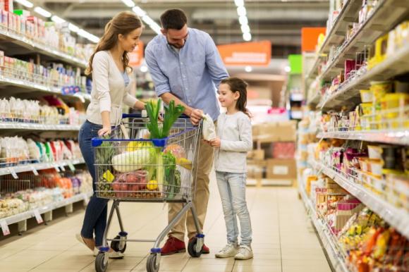 Wzrost konsumpcji w Polsce szansą dla branży FMCG BIZNES, Gospodarka - Od 2017 roku w Polsce zdecydowanie wzrósł poziom konsumpcji. Jakość życia Polaków z każdym rokiem zdecydowanie się polepsza, co widać chociażby po tym, że coraz więcej kupujemy.