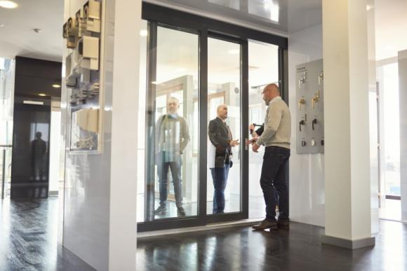 Budvar Centrum – producent nowoczesnych, doskonałych okien i drzwi Przemysł, BIZNES - Wiedza, doświadczenie, dążenie do perfekcji oraz zrozumienie ewoluujących potrzeb klienta – oto składniki sukcesu firmy Budvar Centrum, jednego z najnowocześniejszych, polskich producentów stolarki okiennej. Polskie, doskonałe okna są doceniane przez odbiorców na całym świecie.