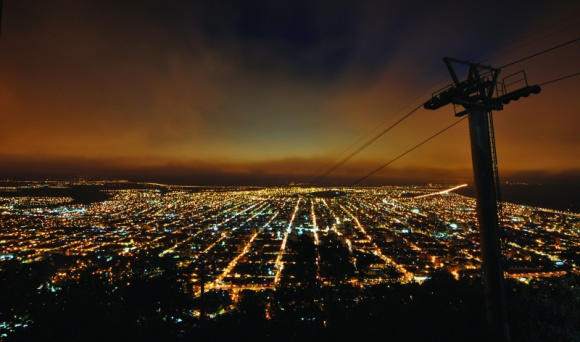 Zrównoważony rozwój i przemysł idą w parze Przemysł, BIZNES - Według raportu World Energy Outlook z 2016 roku sektor przemysłu na całym świecie zużywa jedną trzecią wszystkich zasobów energii, a przy tym odpowiada aż za 85 proc. emisji CO2. Co więcej, w ciągu ostatniego ćwierćwiecza zużycie energii wzrosło o 50 proc. i wciąż rośnie.
