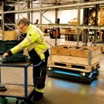 Robotyzacja w logistyce wg IFR: 162% wzrost w segmencie AGV i robotów AMR