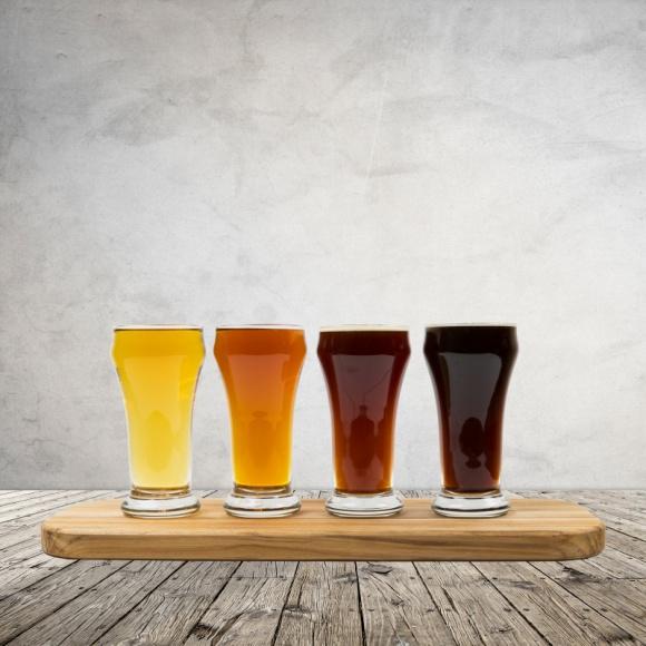 """Polska w piwnej czołówce Europy. Piwo bez procentów hitem w Unii BIZNES, Gospodarka - W tegorocznym wydaniu raportu """"Beer Statistics"""" przeczytamy o kolejnych, udanych dwunastu miesiącach dla europejskiego browarnictwa. W 2017 roku produkcja piwa w krajach Europy osiągnęła najwyższy poziom od ostatnich ośmiu lat – przeszło 412 mln hektolitrów."""