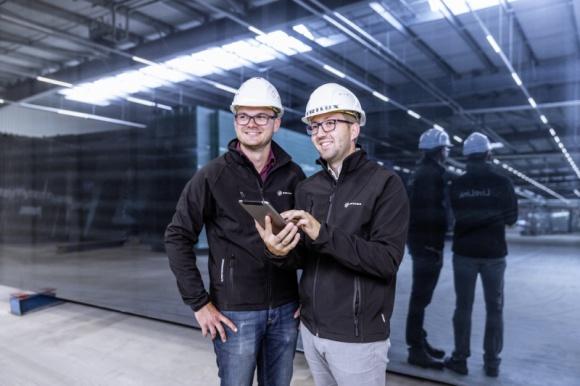 Oświetlenie w przemyśle 2018 - Podsumowanie BIZNES, Infrastruktura - Z roku na rok rośnie efektywność energetyczna opraw LED. Coraz popularniejsze stają się rozwiązania z obszaru Internetu Rzeczy. Między innymi z tych względów ostatnie 12 miesięcy w branży oświetlenia przemysłowego było niezwykle interesujące.