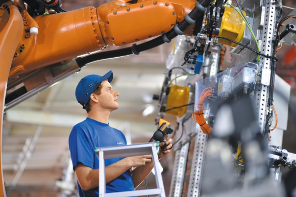 Leadec wygrywa kontrakt na kompleksowe usługi utrzymania technicznego Przemysł, BIZNES - Firma Leadec podpisała kontrakt na kompleksową obsługę techniczną linii produkcyjnych i montażowych silników w nowym zakładzie w Jaworze.