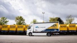 """Dachser z ciężkim """"elektrykiem"""" eActros we flocie Transport, BIZNES - Dachser wprowadza do swojej floty całkowicie elektryczną 18-tonową ciężarówkę Mercedes-Benz eActros. W pełni bezemisyjny samochód będzie obsługiwać dostawy do centrum Stuttgartu z oddziału Dachser w pobliskim Kornwestheim."""