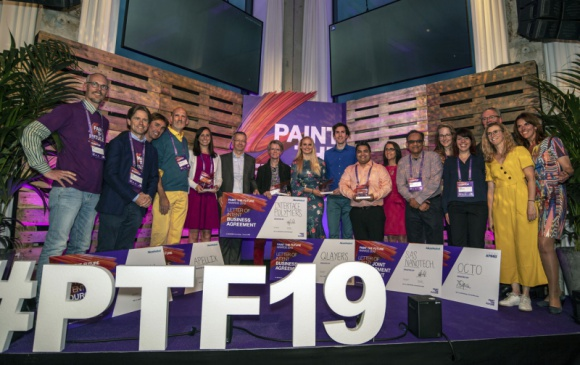 """Paint the Future otwiera drogę nagrodzonym start-upom do współpracy z AkzoNobel Przemysł, BIZNES - Trzy dni spędzone z ekspertami AkzoNobel na warsztatach w Amsterdamie stworzyły przed startupami z różnych stron świata i ich rozwiązaniami szansę na znaczącą zmianę branży farb i lakierów. W finale projektu """"Paint the Future"""" nagrodę od AkzoNobel otrzymało pięć młodych brandów."""
