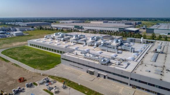 Inwestycja w nowym polskim zakładzie wzmacnia zaangażowanie Delphi Technologies BIZNES, Gospodarka - elphi Technologies, światowy dostawca technologii napędowych, oficjalnie otworzył nowy zakład Elektroniki i Elektryfikacji w Błoniu. Inwestycja w Polsce jest odpowiedzią na wzrost zapotrzebowania na technologie w zakresie elektryfikacji.