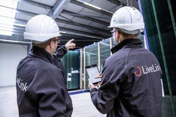 Zarządzanie oświetleniem mimo braku linii DALI BIZNES, Infrastruktura - TRILUX LiveLink – intuicyjny system zarządzania oświetleniem działający w oparciu o protokół DALI zostaje wzbogacony o wariant, dzięki któremu można skorzystać z przewag nowoczesnych, skomunikowanych opraw również w przypadku starszych budynków nieposiadających linii sterujących.