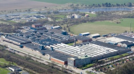 AR Packaging w pełni zintegruje BSC Drukarnia Opakowań po sukcesie wezwania Przemysł, BIZNES - Spółki z grupy AR Packaging nabędą w ramach wezwania ponad 37% akcji BSC Drukarnia Opakowań. Z udziałem 98,17% w akcjonariacie polskiego producenta opakowań z tektury, AR Packaging zamierza w pełni zintegrować działalność firmy.