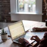 Małe firmy ruszają na podbój Internetu