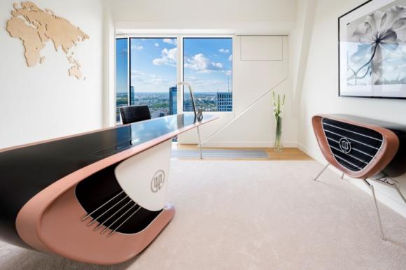 ZŁOTA 44 prezentuje nowy apartament BIZNES, Infrastruktura - Po sukcesie jakim okazała się poprzednia futurystyczna aranżacja, ZŁOTA 44 we współpracy z GO.CE Design prezentuje kolejny, zaskakujący projekt, który łączy luksus z najwyżej jakości meblarstwem.