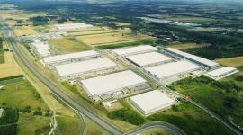 LPP dalej z SEGRO – e-commerce polskiego lidera branży odzieżowej ze Strykowa na Transport, BIZNES - Spółka LPP, topowa polska firma odzieżowa, właściciel rozpoznawalnych marek Reserved, Mohito, Cropp, House i Sinsay zdecydowała się na przedłużenie umowy najmu 46 600 m2 powierzchni magazynowej zlokalizowanej w SEGRO Logistics Park Stryków.