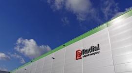 Radial rozpoczyna działalność operacyjną w Polsce Transport, BIZNES - Radial, światowy lider w obsłudze technologiczno – operacyjnej handlu wielokanałowego e-commerce, otworzył we wrześniu nowe centrum logistyczne w Polsce, rozpoczynając tym samym działalność operacyjną w naszym kraju