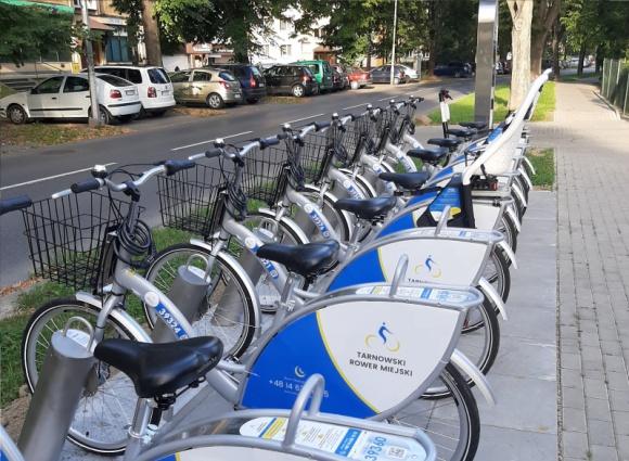 Drugie urodziny Tarnowskiego Roweru Miejskiego! Transport, BIZNES - Przed dwoma laty ruszył Tarnowski Rower Miejski. W tym czasie do systemu zapisało się 6,6 tysięcy mieszkańców. Łącznie tarnowianie odbyli ponad 32,7 tys. przejażdżek na rowerach miejskich.