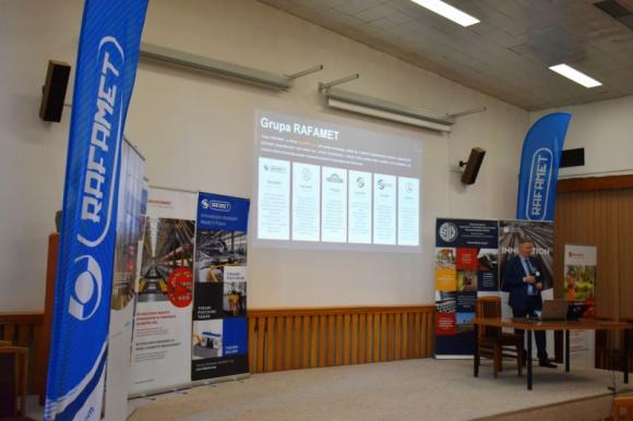 RAFAMET S.A. zaprezentował możliwości na seminarium w Warszawie Przemysł, BIZNES - Fabryka Obrabiarek RAFAMET S.A. znajduje się w światowej czołówce producentów obrabiarek specjalistycznych do obróbki kolejowych zestawów kołowych.