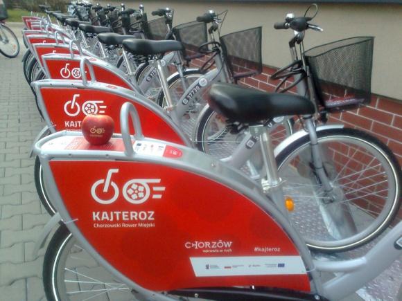 KajTeroz: ponad 860 tys. kilometrów w dwa lata! Transport, BIZNES - Minęły dwa lata od startu chorzowskiego systemu rowerowego KajTeroz. Od uruchomienia systemu w 2018 operator odnotował 391,1 tys. wypożyczeń. Użytkownicy przejechali łącznie ponad 860,6 tys. kilometrów.