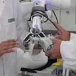 L'Oréal automatyzuje centrum badań włosów z aplikacjami współpracującymi OnRobot
