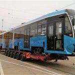 Kolejny niebieski tramwaj już we Wrocławiu. Jechał do nas 200 kilometrów